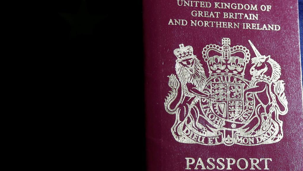 英国护照图。 路透社Francois Lenoir供图